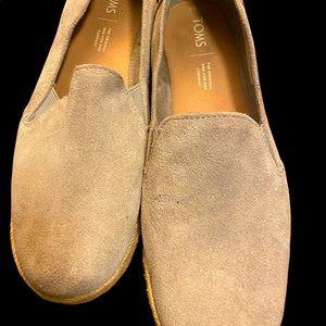 Toms women's 8.5M slip-on shoes!